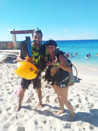 Life time experience doing The Discover Scuba Diving Program!!!