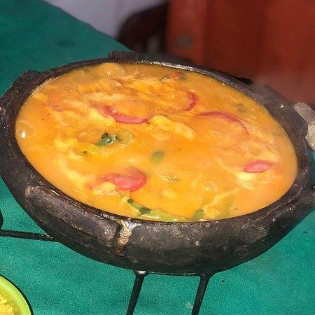 moqueca de cação completa ;acomp. arroz, farofa amarela , pirão, e salada de palmito e tomate !