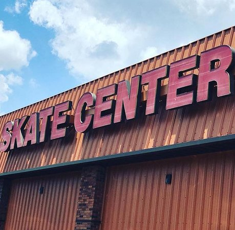 ‪Brentwood Skate Center‬