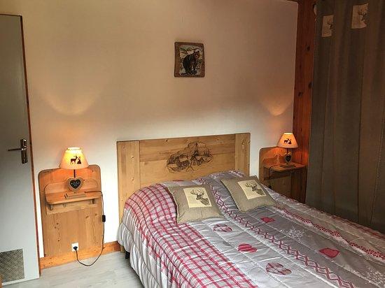 chambre pour 2 pers avec 1 lit double en 140 cm