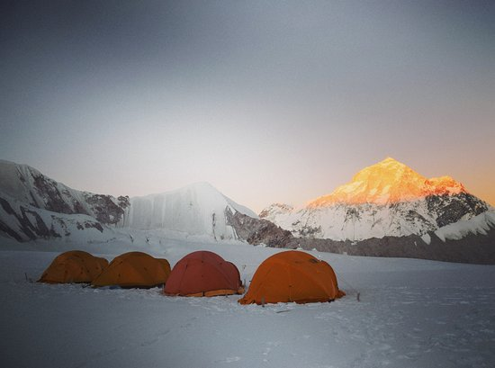 Khandbari, เนปาล: Photo was taken at Baruntse Camp 1 background with sunset on Makalu 8481m. # visit  Nepal 2020 # Sherpini col# West col # Ama Lapcha pass# Adventure in Nepal# By#Discovery Mountain Trek & Expedition# #www.dmountaintreks.com#  #www.fr.dmountaintreks.com# #info@dmountaintreks.com# #sherpachiring00@gmail.com#