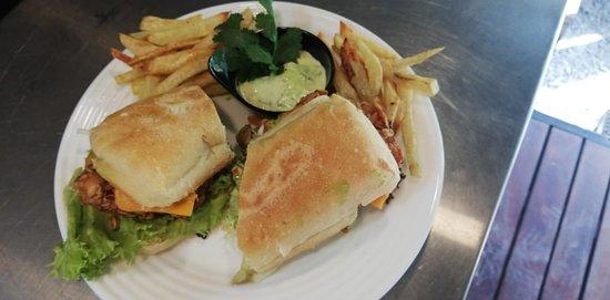 Breaded chicken sándwich!! 🤤🤤🤤