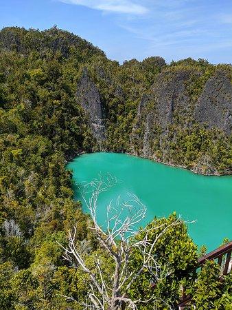 Piaynemo_Hill-Raja_Ampat_West_Papua