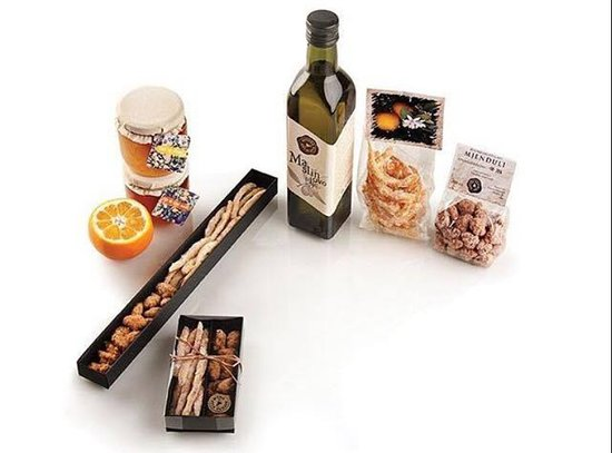 Ston, โครเอเชีย: Traditional sweets and olive oil.