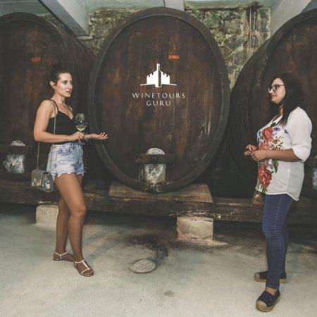 Excellent wine stories, hidden in a barrel!