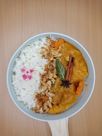 Massaman chicken with Thai sweet potato creamy sauce