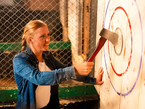 BATL | Axe Throwing