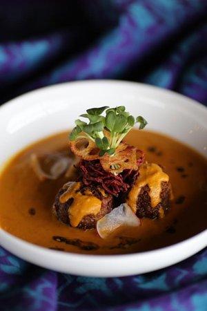 Ostfold, Na Uy: Vegan delight! Lotus root kofta curry!