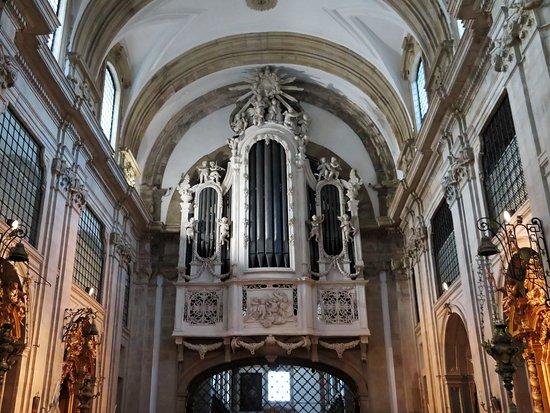 O belíssimo órgão