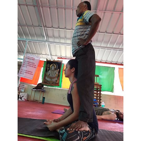 If you want to understand yoga, you found a true teacher ❤️