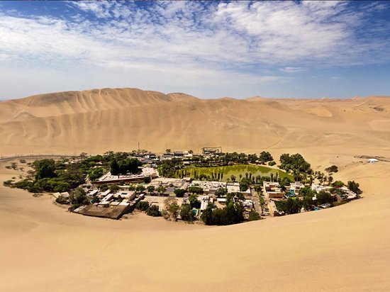 Picturesque oasis in the middle of Peru, visit the Huacachina oasis