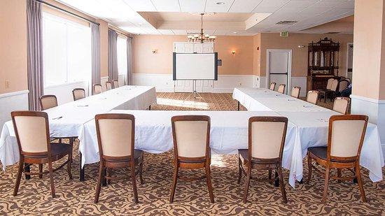 Best Western Plus San Pedro & Suites Hotel