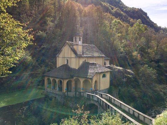 Calasca Castiglione, Italy: Santuario della Madonna della Gurva
