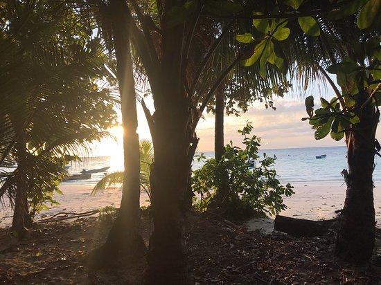 Tual, Indonesia: Sun Down