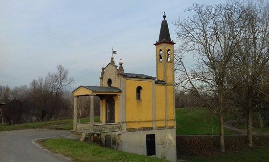 Province of Parma, Italië: La chiesetta del Po a Zibello