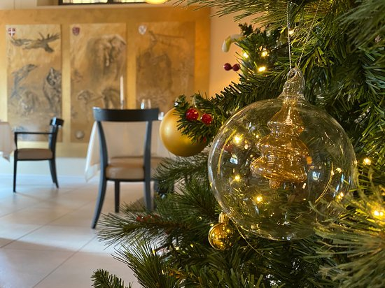 Christmas mood at Tar-Tufo Restaurant.🎄