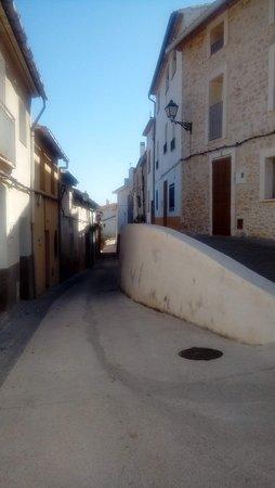 Vall de Gallinera, Spain: Calle de alpotró