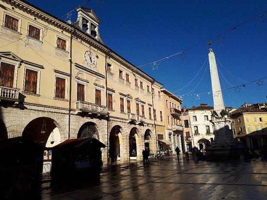 Piazza Garibaldi e Monumento ai Caduti