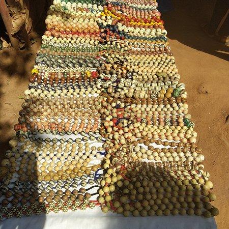Korhogo, Costa de Marfil: Colliers de perles