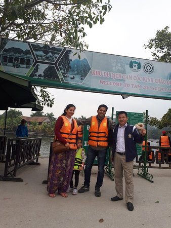 Booking Car Driver with the guests in Tam Coc - Ninh Binh