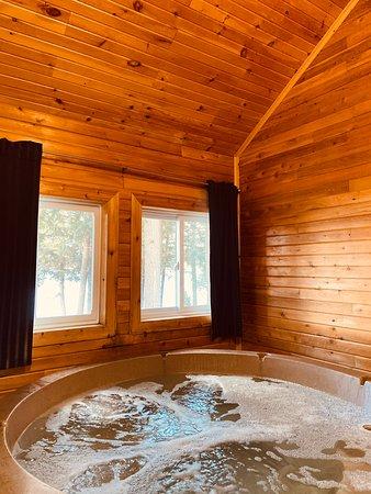 Sunset Cottage - spa room