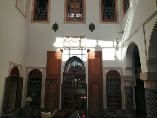Beautiful sunny ensuite room with view to the roof terrace with air-con and private shower-bathroom   – obrázok Riad Boustan, Fes - Tripadvisor