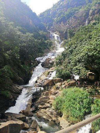At Rawana waterfall in Ella