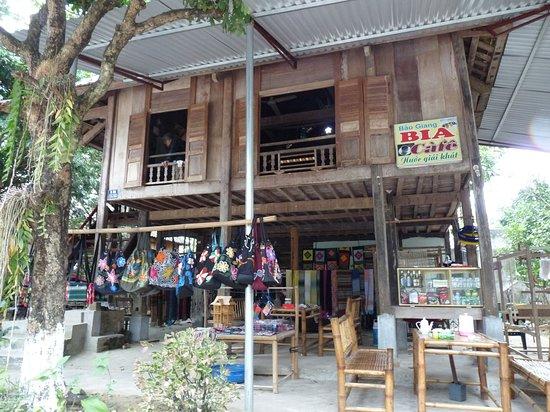 Ban Lac en Pom Coong
