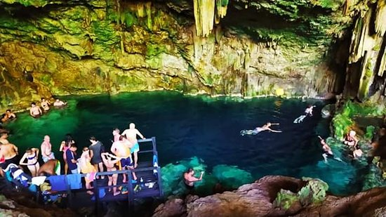 Matanzas Province, Κούβα: Cueva de Saturno. A solo 12 km de nuestra Villa. Hermosa...refrescante lahuna en la cueva
