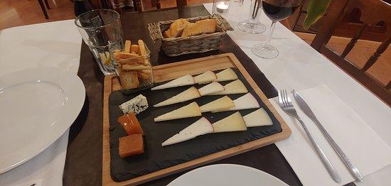 El Real de la Jara, Spanien: Tabla de quesos buenisimo