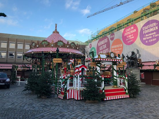 Norimberk, Německo: Various smaller Christmas markets around Nuremburg - merry go round