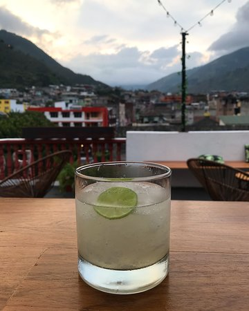 A refreshing gin fizz!