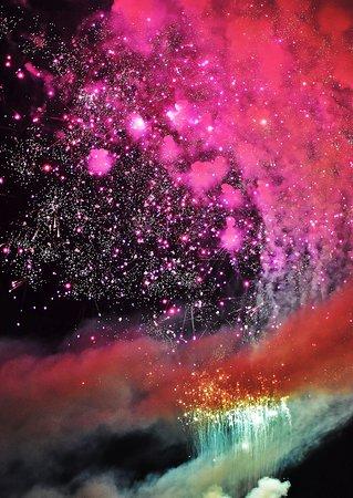 大曲の花火は、美しさが最高レベルです。
