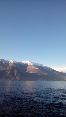Варенна, Италия: Lago e montagne...Varenna...