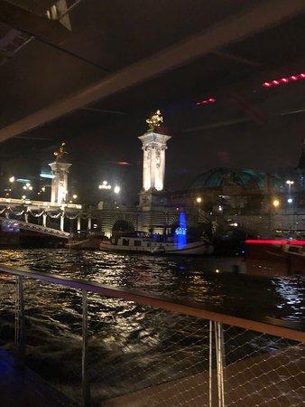 Bateaux Parisiens Seine River Gourmet Dinner & Sightseeing Cruise – fotografia