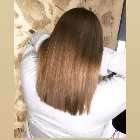 Hairsalon based in Tympaki, combining Greek and British methods for cutting and colouring hair.