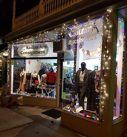 Shining lights on boutique shopping for one-of-a-kinds.