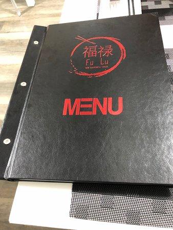 Ieri sera siamo andati a cena al FU LU di Polistena ed abbiamo avuto una piacevole sorpresa. Infatti abbiamo trovato il nuovo menù. Veramente bravissimi. Il cibo è buonissimo e di ottima qualità. Bravi bravi 👌