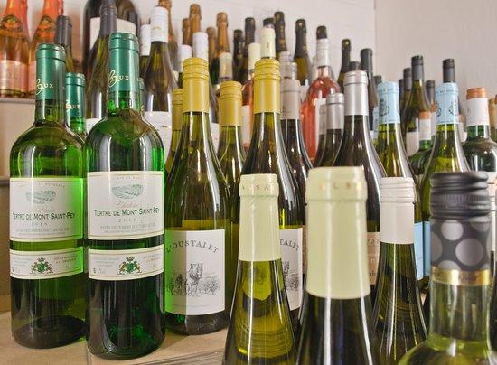 Wir führen eine große Auswahl französicher Weine.