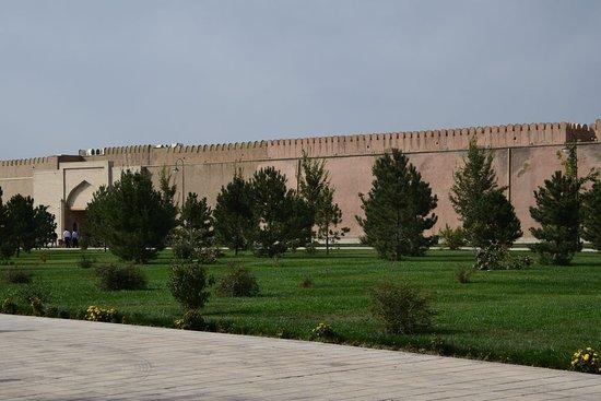 Стена Шахрисабза изнутри.