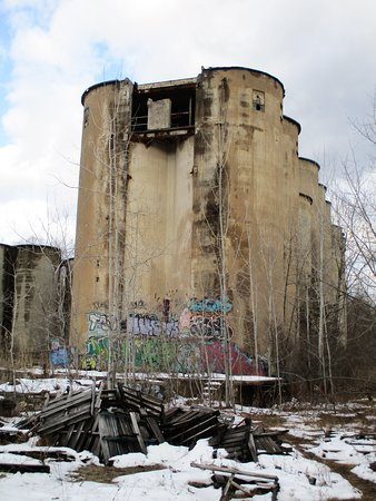 Rosendale, NY: Cement Plant