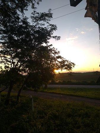 Amo o por do Sol , principalmente vendo ele do RT , perfeito.