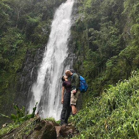Arusha National Park, Танзания: Materuni water  falls  Mount Kilimanjaro