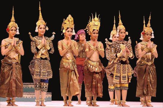 Sharing Cambodia tour