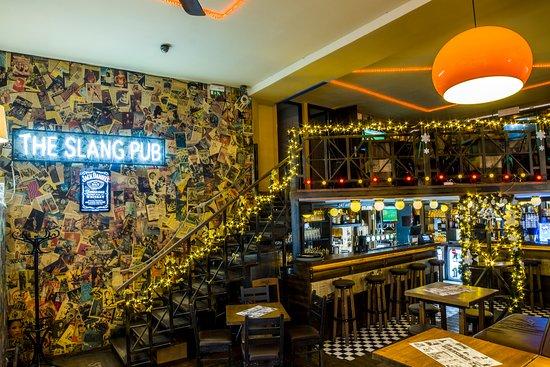 Slang Pub