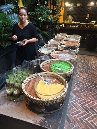 Quán Ngon Restaurant's impressive spread of chè 😘