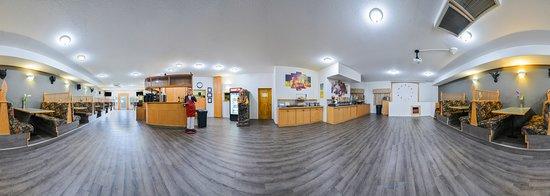 Exterior - Picture of Canadas Best Value Inn Valemount, Valemount - Tripadvisor