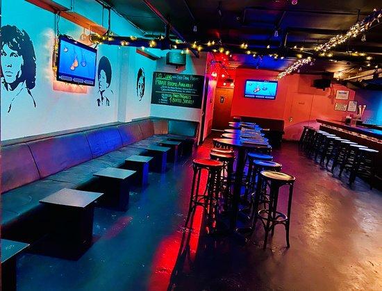 Karaoke Cave