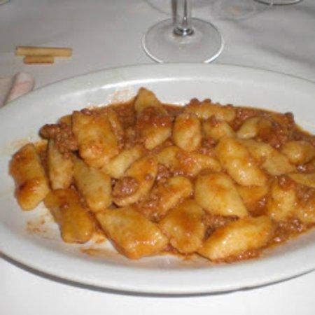 Gnocchi di patate, casalinghi, al ragù
