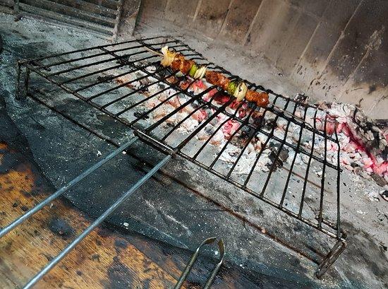 Alcorisa, สเปน: Hacemos brasa todos los días, carne de muy buena calidad y variedad. Para todo tipo de bolsillos.